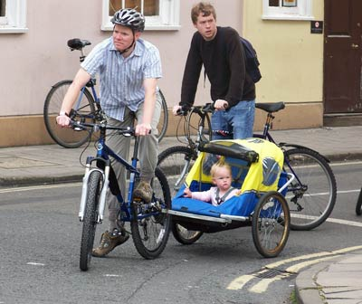 Bike Trailers For Transporting Children Photos Cycling Uk